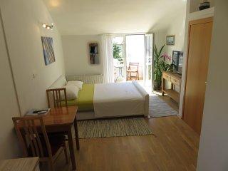 Romantic Oasis -Mediterranean style studio
