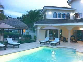 Luxury Caribbean 5 Bedroom, 3 Bath Villa with Private Pool