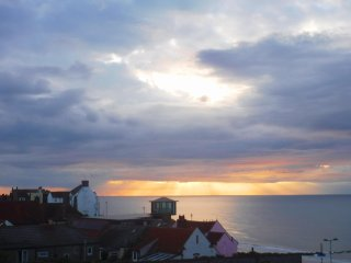 Holiday Apartment with Sea View close to beach and town. Sleeps 4 plus cot