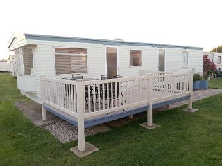 SussexCoastCaravan - 8 Berth with Enclosed Decking