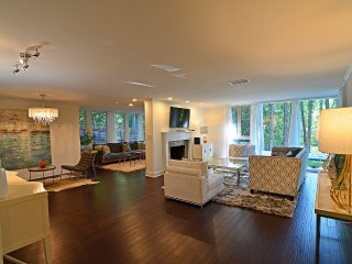Luxury Buckhead 4 Bed 3 Bath House