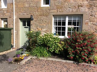 Cosy and charming 2 bed Cottage , Kingsbarns  near St Andrews