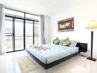 Luxury 3-bedroom apartment (B)