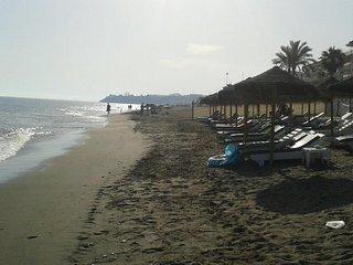 Playa frente a vivienda