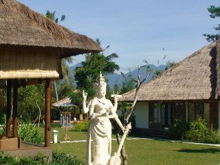 Luxury, Ethnic 4BR Villa In Ubud