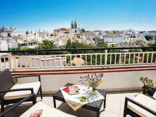Appartamento panoramico con terrazzo, posto auto in zona relax