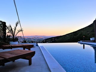 Luxury Villa Despacito with pool & spectacular view