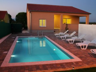 Charmy new house with pool *Zadar center*