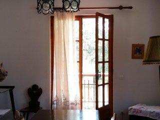 Casa Candellero in Val Trebbia, immersa nel verde, oasi di pace