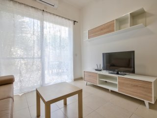 Spacious and Bright 2 bd in Gzira