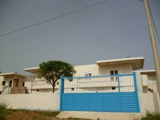 Rental house, 2 rooms double bed, and 2 twins beds, 1 bathroom, parking spot,