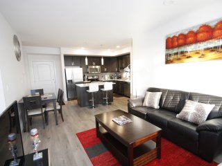Amazing 2Bed2Bath w/Heated Garage near Shaw Center