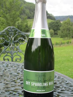 Champagne method sparkling wine from the vineyard
