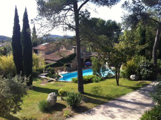 Villa in Alpilles/Luberon w/ pool