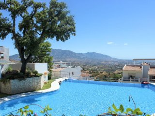 2000 - 2 bed apartment, La Mairena Forest, Elviria