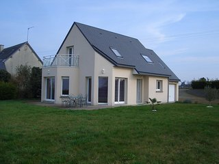 House with 4 rooms in Courtils, with enclosed garden and WiFi