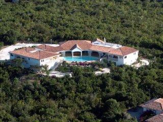 Luxury villa in Saint Martin w/pool
