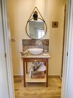 Il bagno privato nella camera.