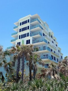 Wave Condo - View from Beach