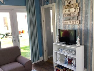Pet friendly, homely 4 berth holiday chalet for rent.
