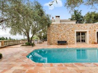 Belle villa avec piscine et vue panoramique