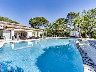 Elegante villa avec piscine a Saint-Raphael