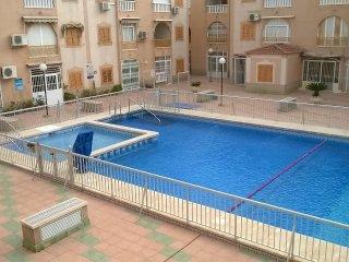 Apartamento con piscina a 300 metros de la playa