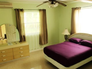 All Nations Guesthouse - Superior Double Bedroom, Jacuzzi tub, Pool & Gym area