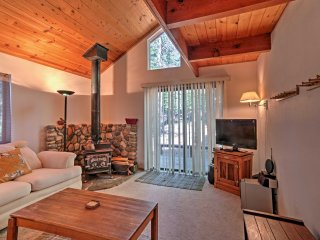 Truckee Cabin Near Tahoe Donner Ski Resort & Lake!