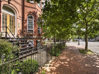 NEW! 2BR DC Townhouse - 1 Mile to White House!