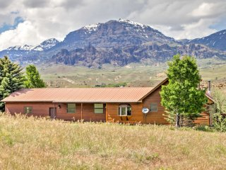 NEW! Spacious 5BR Cody Home-Mins From Yellowstone
