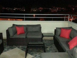 3 Bedroom Penthouse and a 1 bedroom on ground floor Roof deck AC20