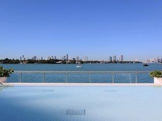 Full amenities apartment hotel in south beach