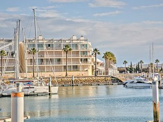 MARINA - H ' Marina Front line 2 bed apartment '