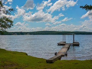 Level Lakefront in a Quiet Location