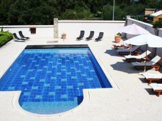 Luxury Apartment in Villa Hacienda 4+2, pool, sea view