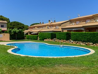 Costabravaforrent Pinamar, up to 4, shared pool