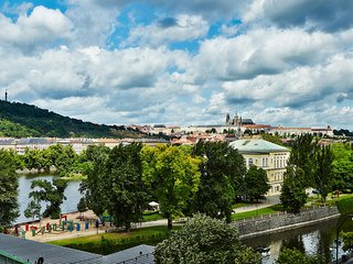 Winter Promo 45% off!! THE BEST PRAGUE CASTLE VIEW 4 bdrm 2.5 bath,3 balconies!