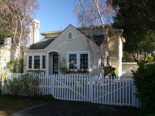 9MP: Cozy 4-bedroom on Tree Lined St