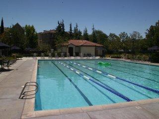 LD: Executive Luxury in Santa Clara