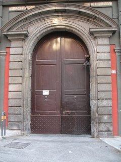 Portone ingresso palazzo