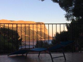 T4 'grand pin' Appartement  de charme dans villa provencale 'La Rocaille'