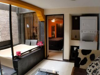 4 Bedrooms 2 apartment combo a 3 bedroom and 1 bedroom AC Lleras Hot Tub