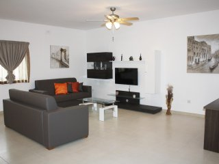 3 Bedroom Apartment, Xghajra