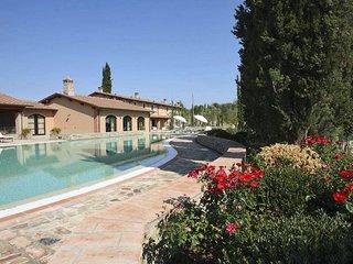 Beautiful Tuscan Villa on a Large Estate - Villa Betta
