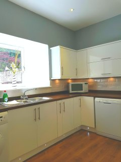 Modern fully fitted kitchen with all modern convenient applicances
