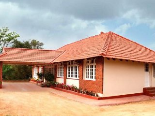 Postcard-perfect homestay, 1.5 km from Madikeri Fort