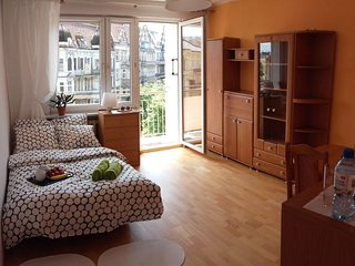 10 minutes walk from Stary Rynek, great Location!