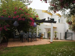 3 bedroom villa. Short walk to bars, shops and beach!