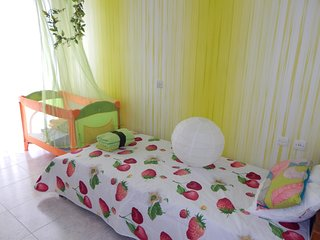 Athens central 100sq family floor apartment near airport bus stop & metro